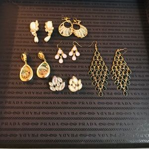 ☀️3 FOR $15☀️ Lot of 6 Pairs of Vintage Earrings.